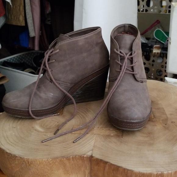 a91d3827ffcf Dr. Scholl s Shoes - Dr Scholls wedge booties
